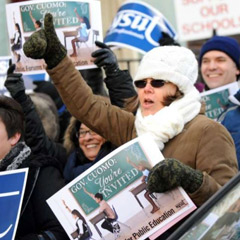 Protesters in favor of a union shop.Credit: Albany Times-Union